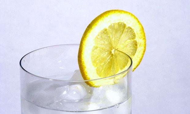 TOP 5 Reasons to Drink Lemon Water