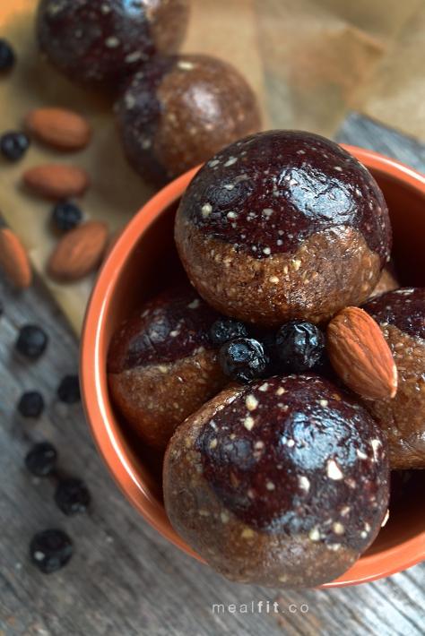 almondbutterjellybites1